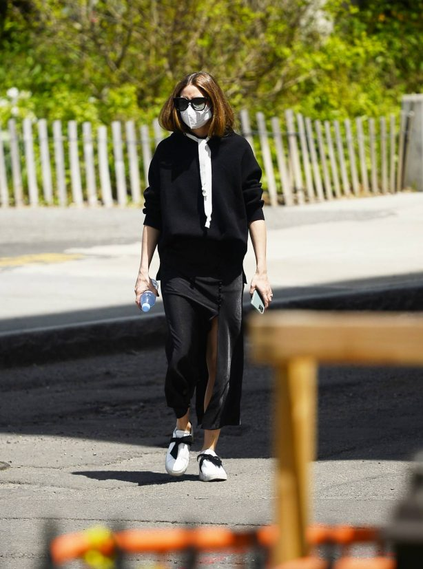 Olivia Palermo - Out for a stroll in Brooklyn