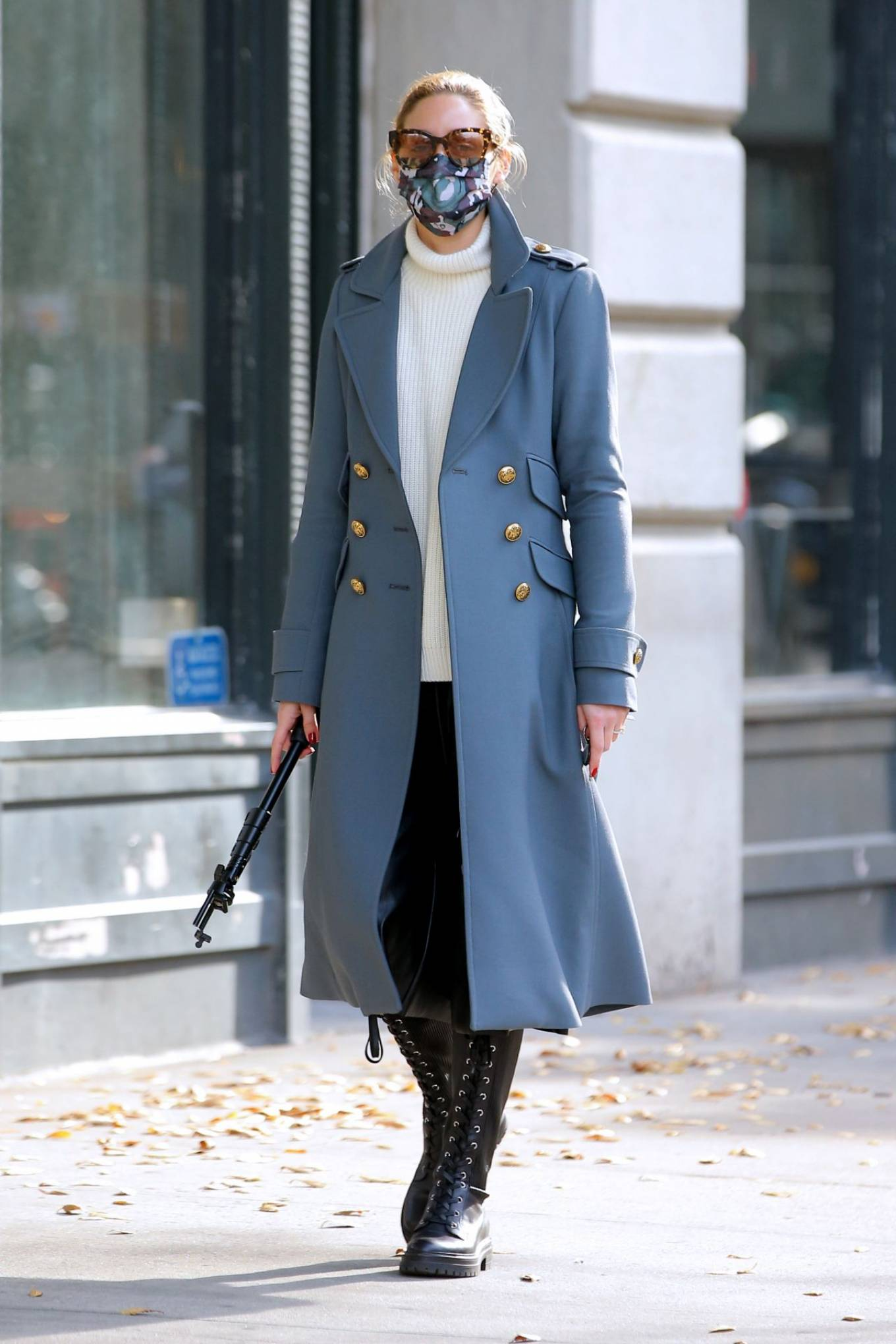 Olivia Palermo 2020 : Olivia Palermo – Out for a stroll in NYC-01