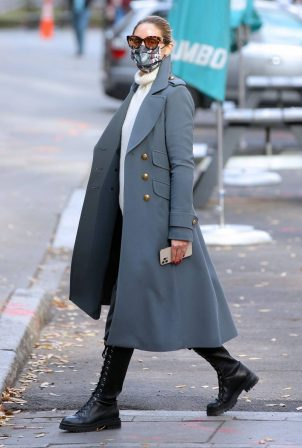 Olivia Palermo - Out for a stroll in NYC