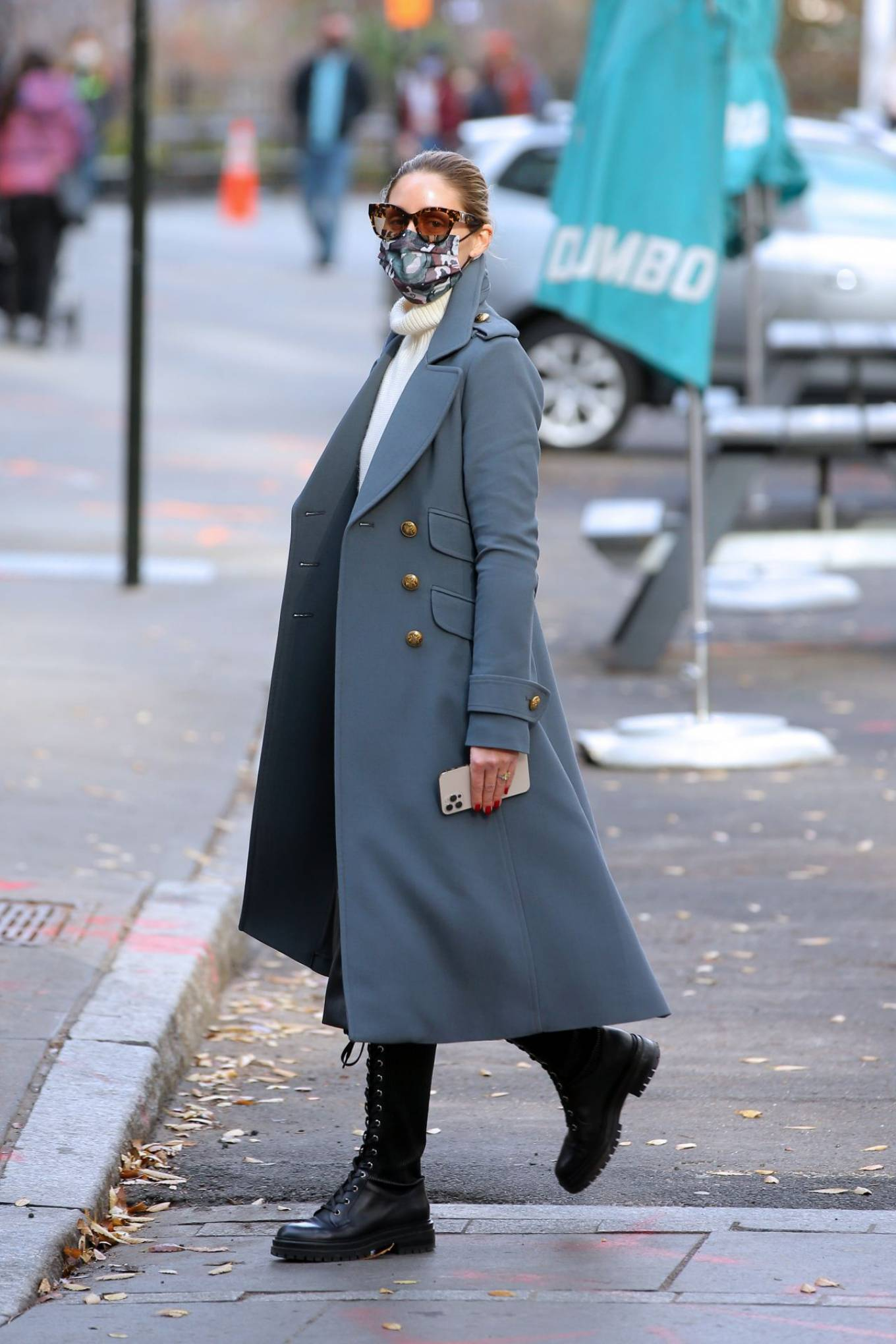 Olivia Palermo 2020 : Olivia Palermo – Out for a stroll in NYC-03
