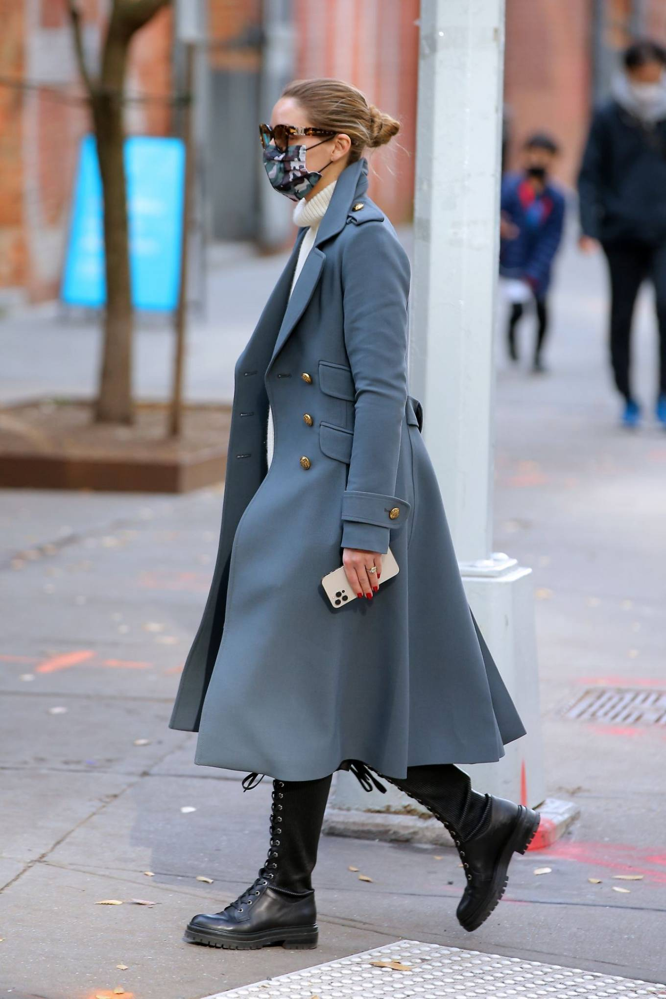Olivia Palermo 2020 : Olivia Palermo – Out for a stroll in NYC-04