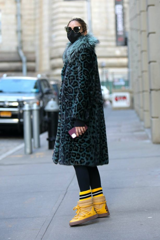 Olivia Palermo - Out on a cold weather in a big coat in Dumbo - Brooklyn