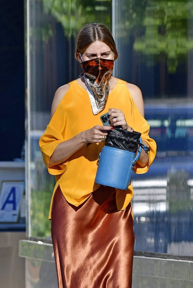 Olivia Palermo - Running errands in New York City