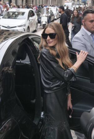 Olivia Palermo - Seen at the Ermanno Scervino fashion show during Milan Fashion Week