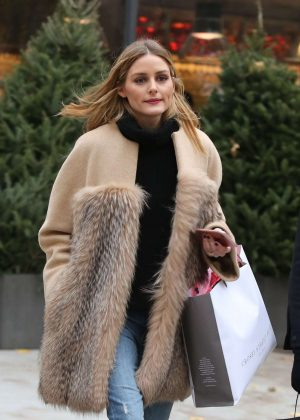 Olivia Palermo Shopping in Soho