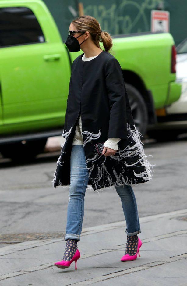 Olivia Palermo - Taking a walk in Downtown - Brooklyn