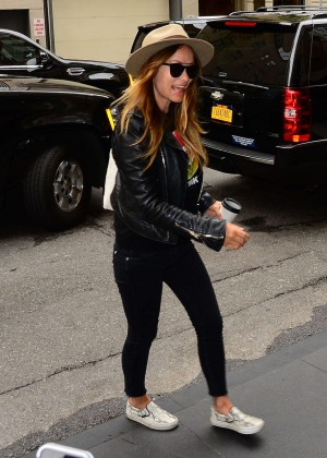 Olivia Wilde - Arriving to her hotel in New York