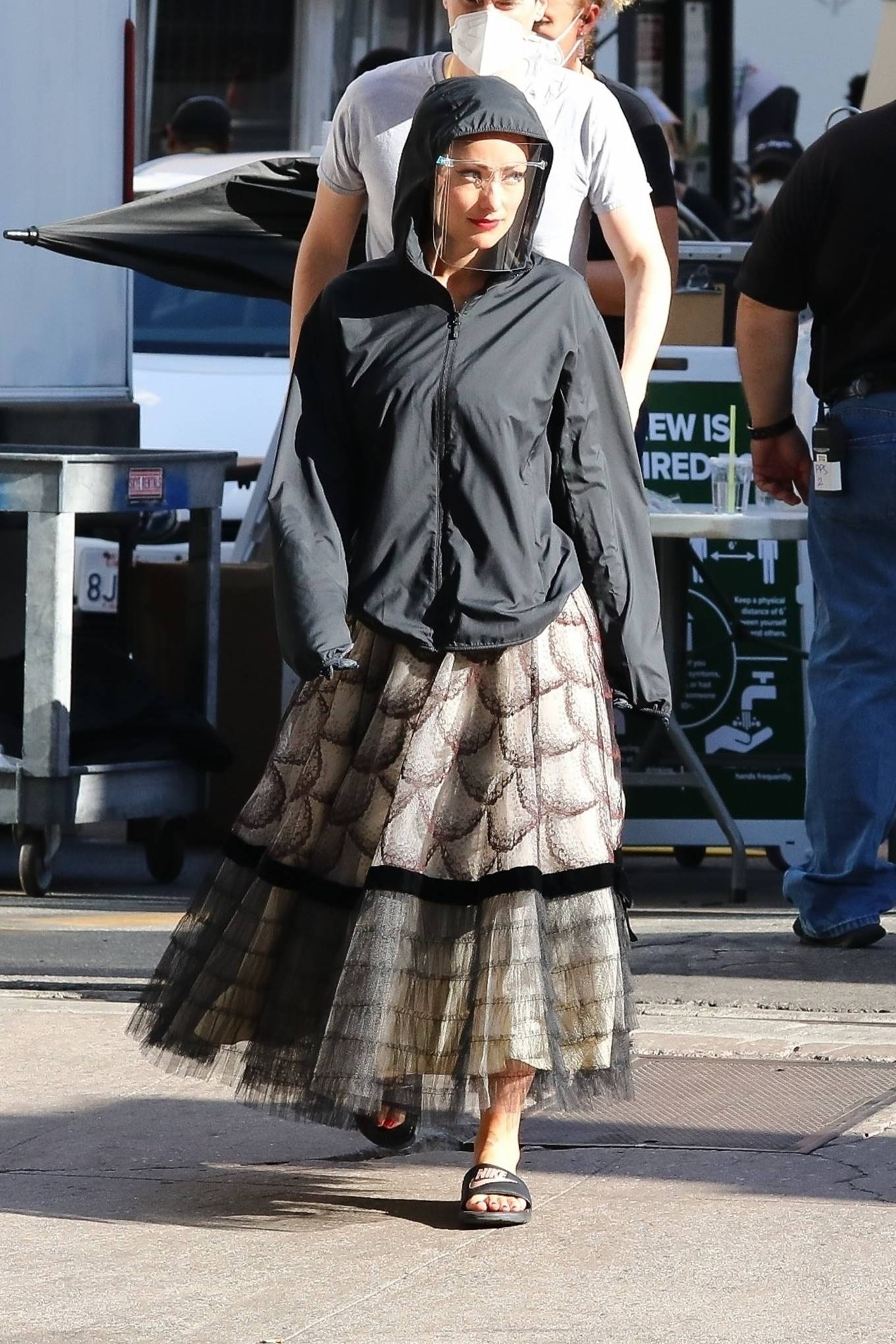 Olivia Wilde 2020 : Olivia Wilde – Filming Dont Worry Darling in Los Angeles-04