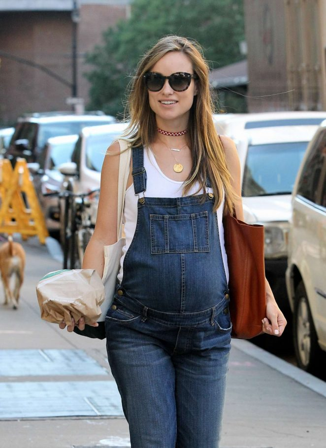 Olivia Wilde in Jeans out in New York City