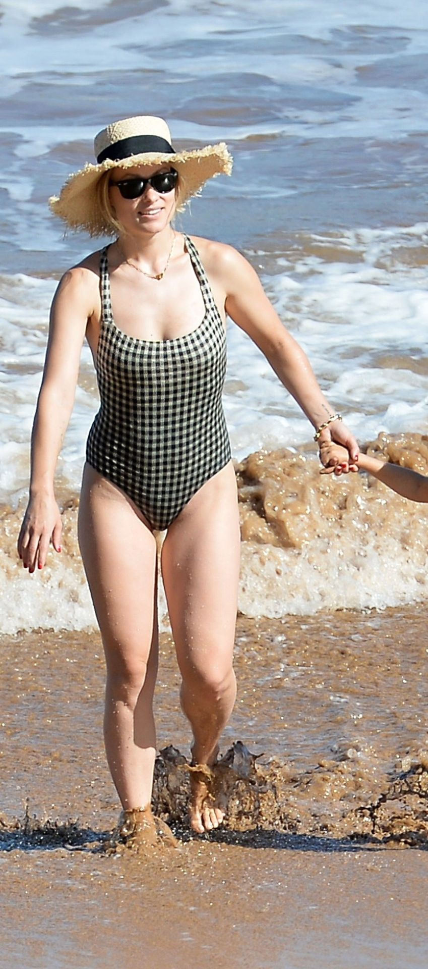 Olivia Wilde 2019 : Olivia Wilde: In one-piece swimsuit at the beach in Hawaii-13