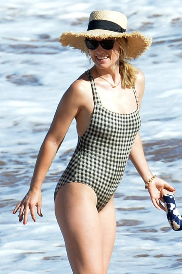 Olivia Wilde - In one-piece swimsuit at the beach in Hawaii