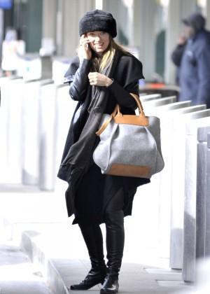 Olivia Wilde - JFK Airport in New York City