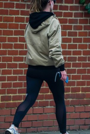 Olivia Wilde - Jogging candids in London