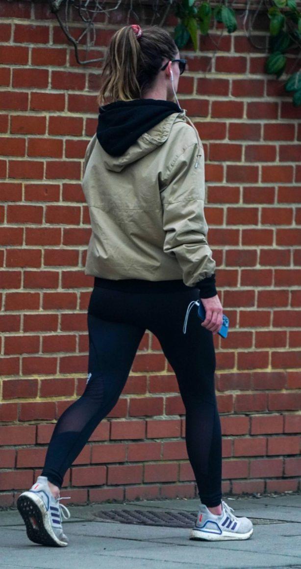 Olivia Wilde - Jogging candids in London