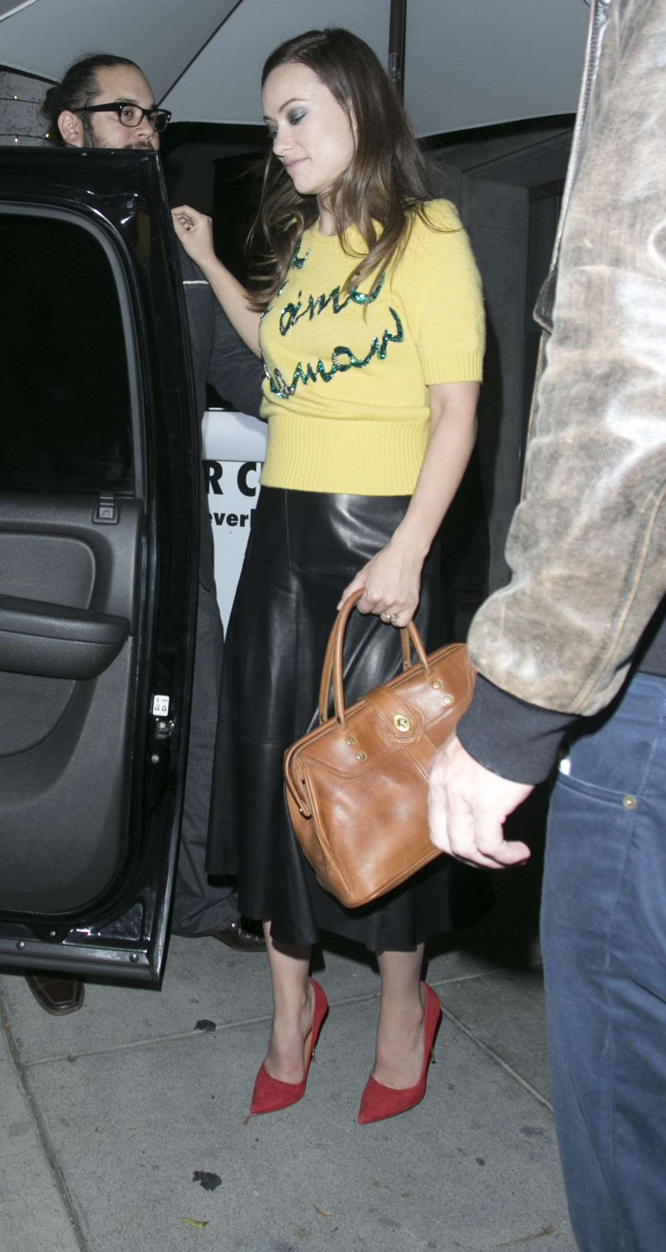 Olivia Wilde 2015 : Olivia Wilde in Leather Skirt -02