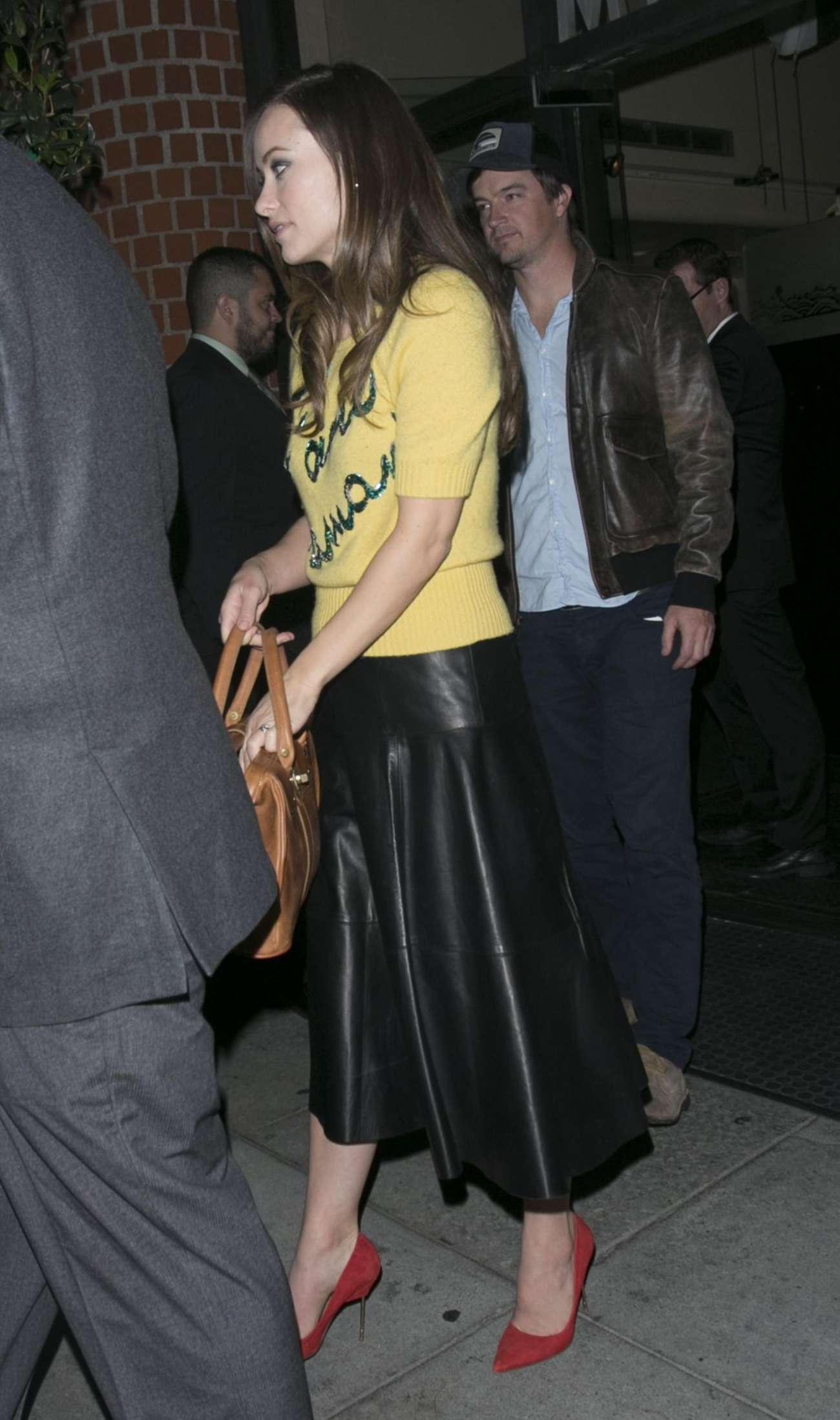 Olivia Wilde 2015 : Olivia Wilde in Leather Skirt -03