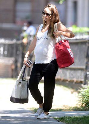 Olivia Wilde - Leaving her apartment in Brooklyn