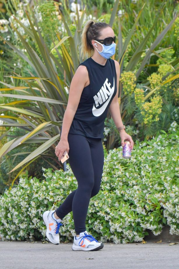 Olivia Wilde - Out for a hike in Los Angeles
