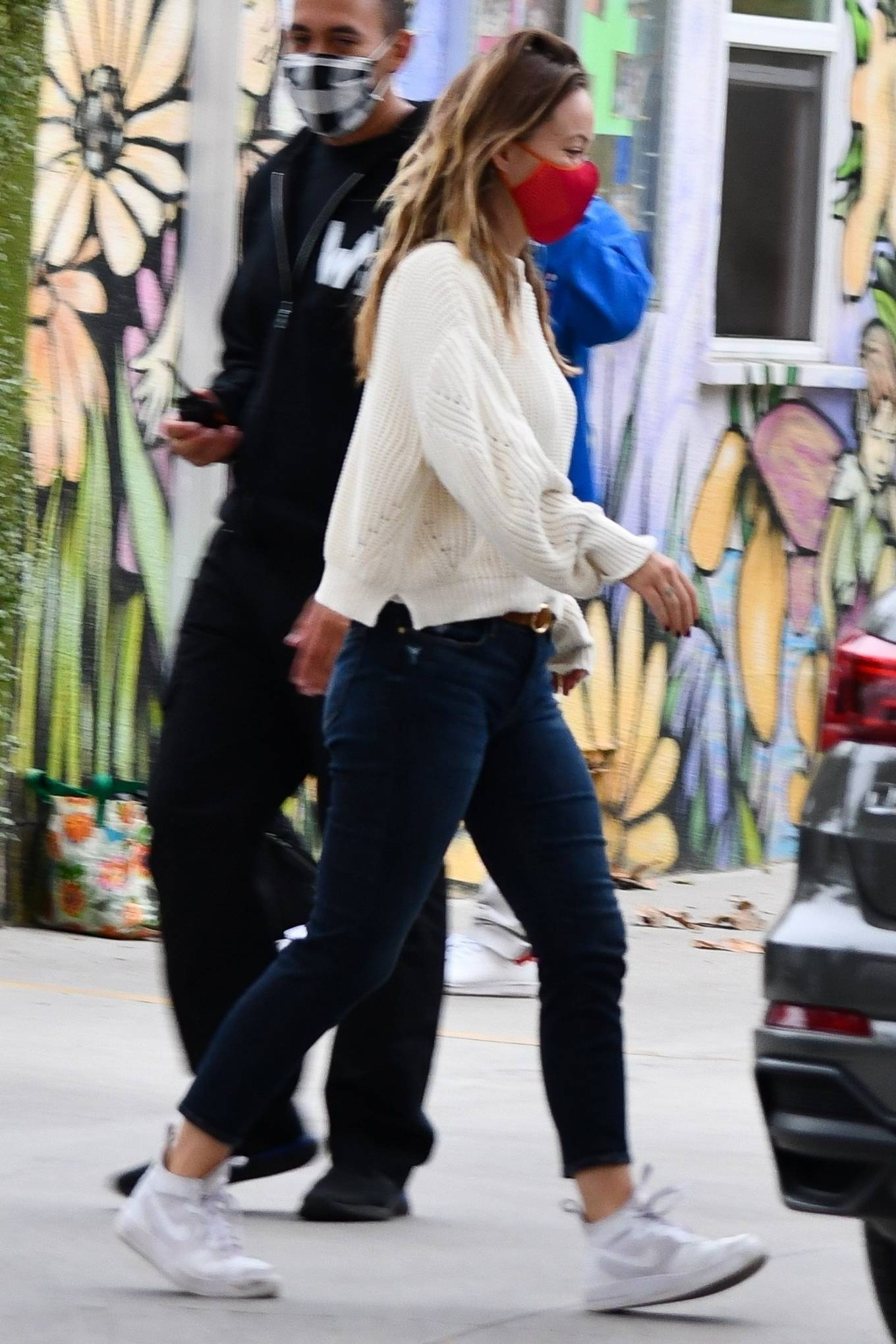 Olivia Wilde 2020 : Olivia Wilde – running errands in Los Angeles-04