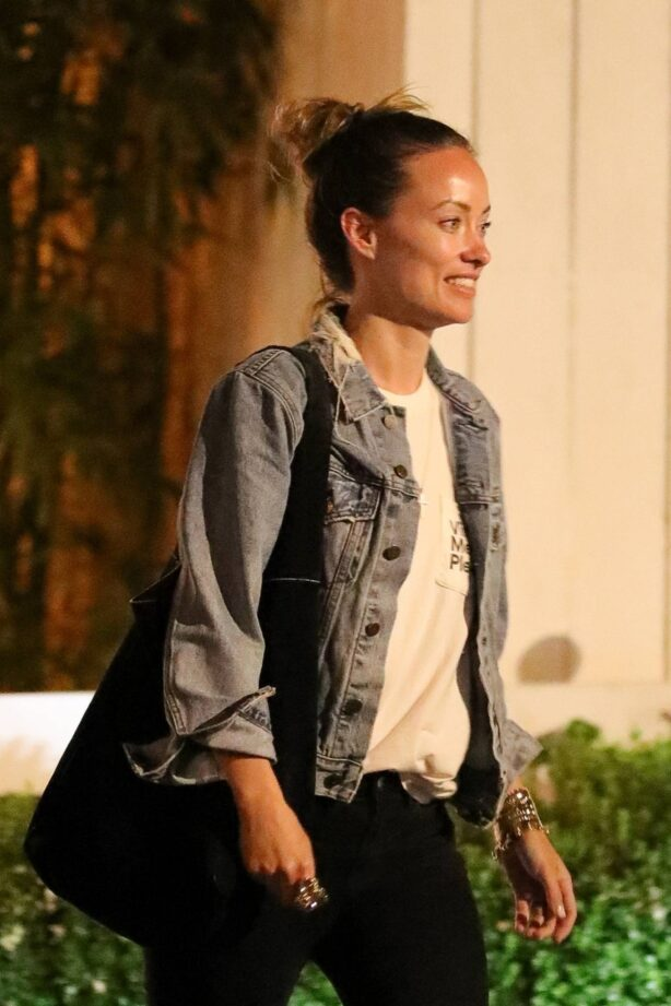 Olivia Wilde - Seen at the San Vicente Bungalows in West Hollywood