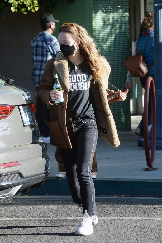 Olivia Wilde - Seen while picking up a guitar at a store in Los Angeles
