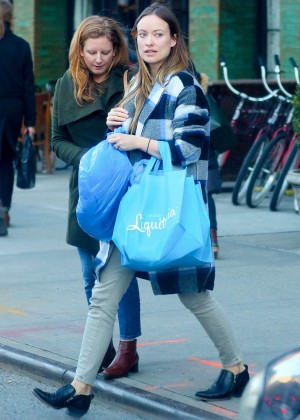Olivia Wilde Shopping in New York