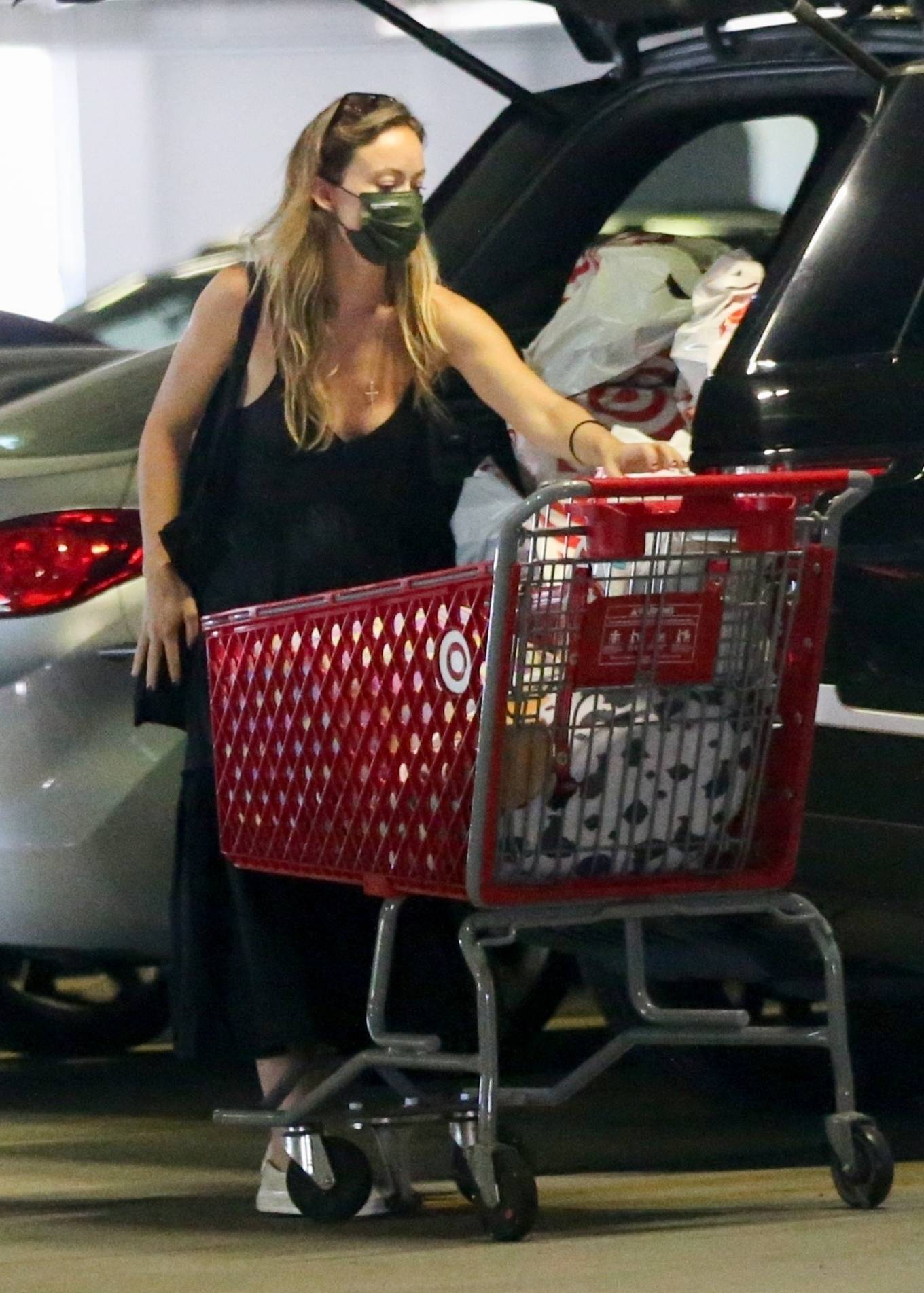 Olivia Wilde 2021 : Olivia Wilde – Shopping with a friend at Target in Los Angeles-06