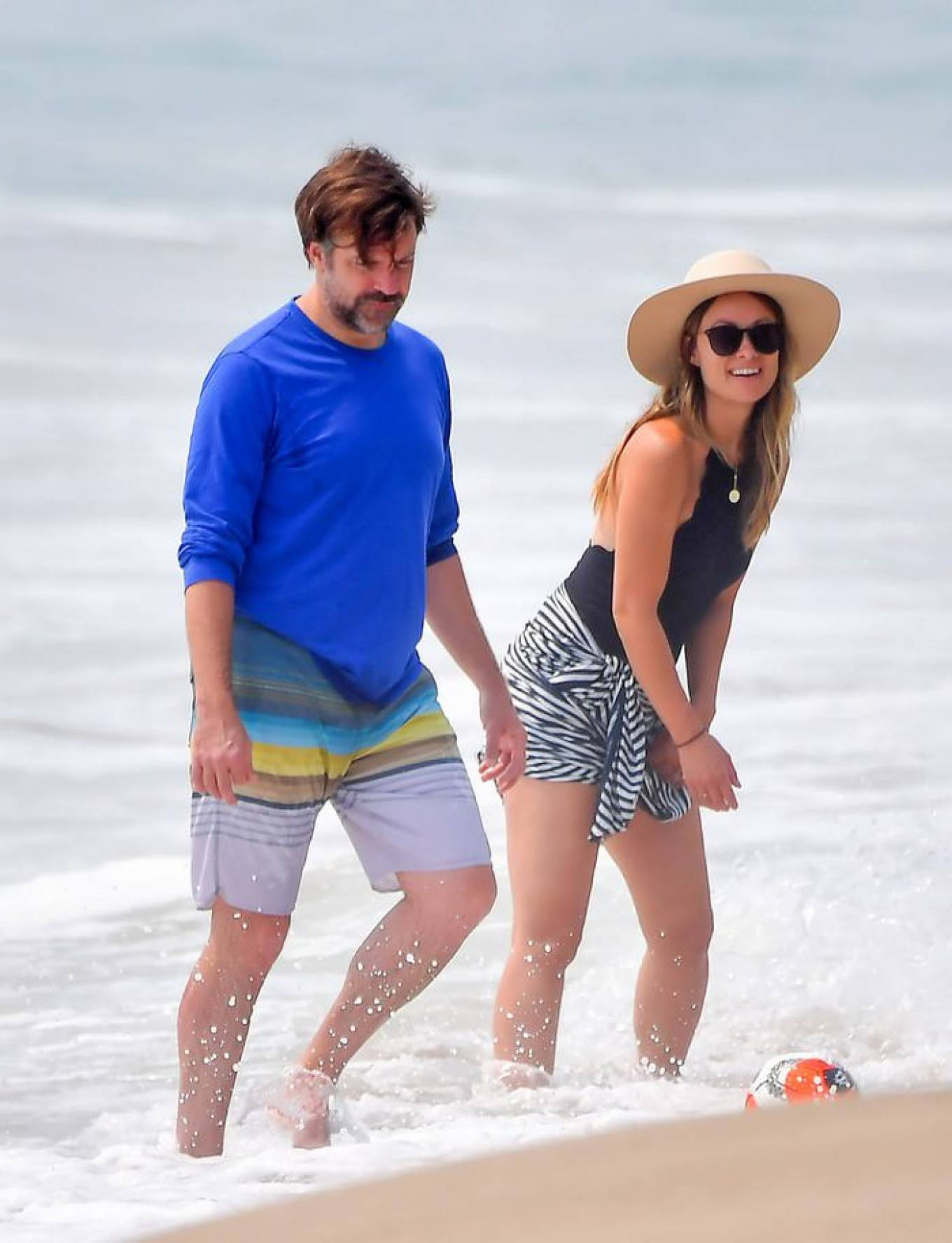 Olivia Wilde 2020 : Olivia Wilde – Spotted on the beach in Santa Monica-02