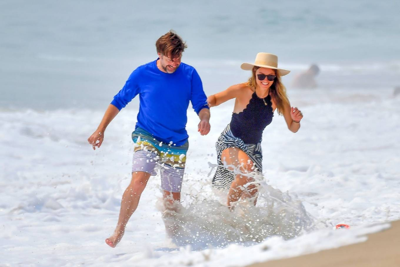 Olivia Wilde 2020 : Olivia Wilde – Spotted on the beach in Santa Monica-04