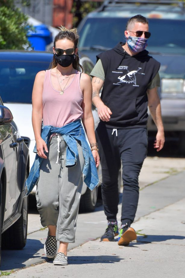 Olivia Wilde - Takes a walk with a friend in Santa Monica