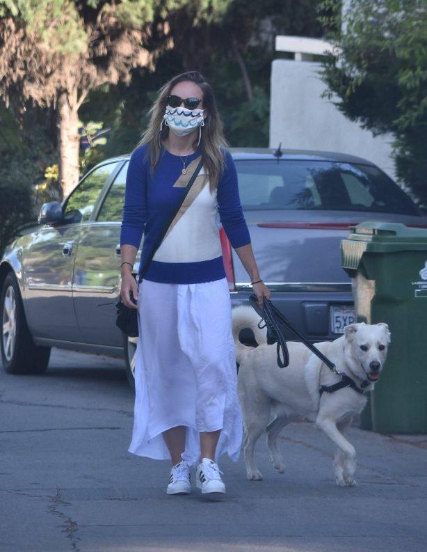 Olivia Wilde - Walking her dog in Los Angeles