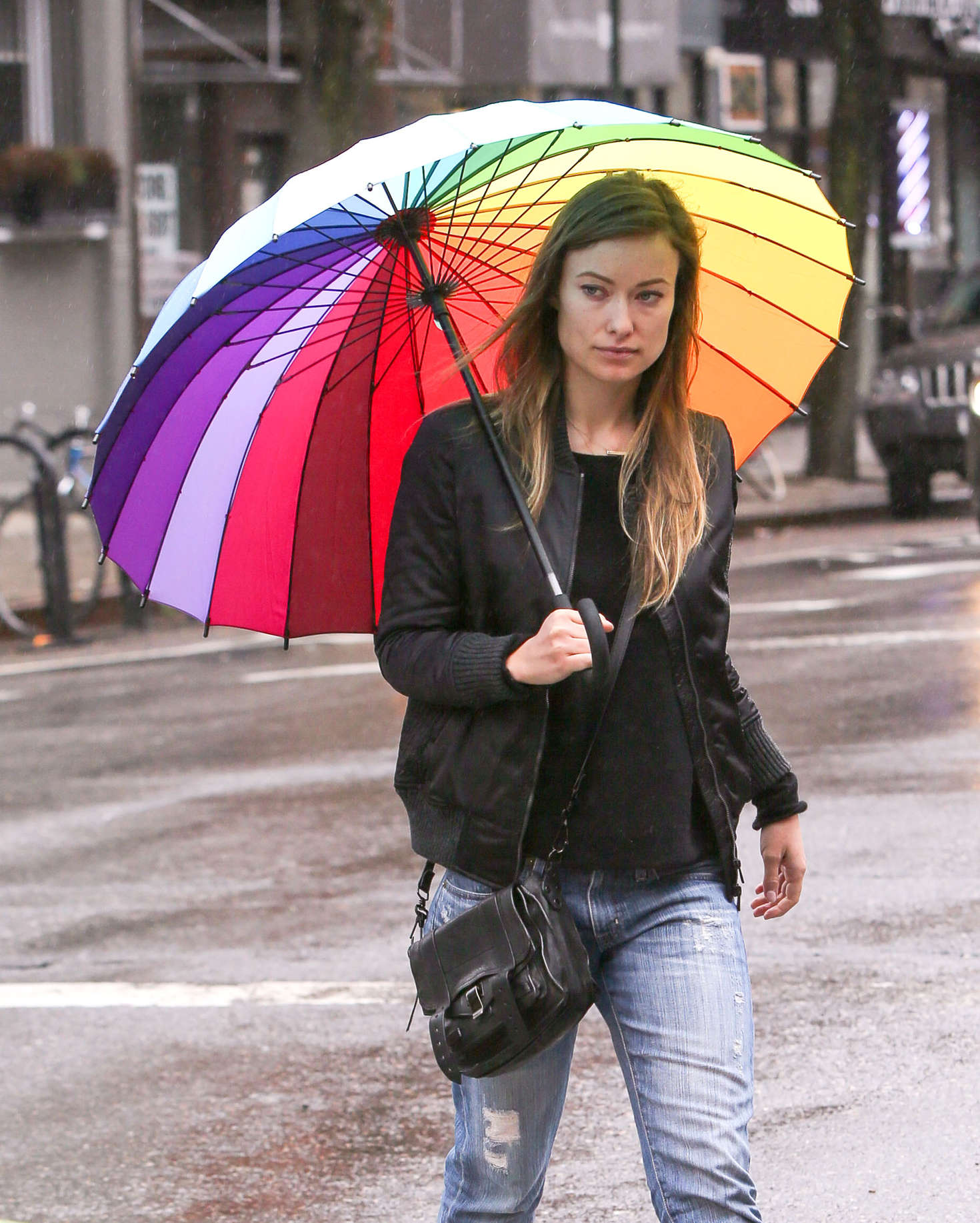 Good Morning America Umbrella : Olivia wilde with a rainbow umbrella in new york