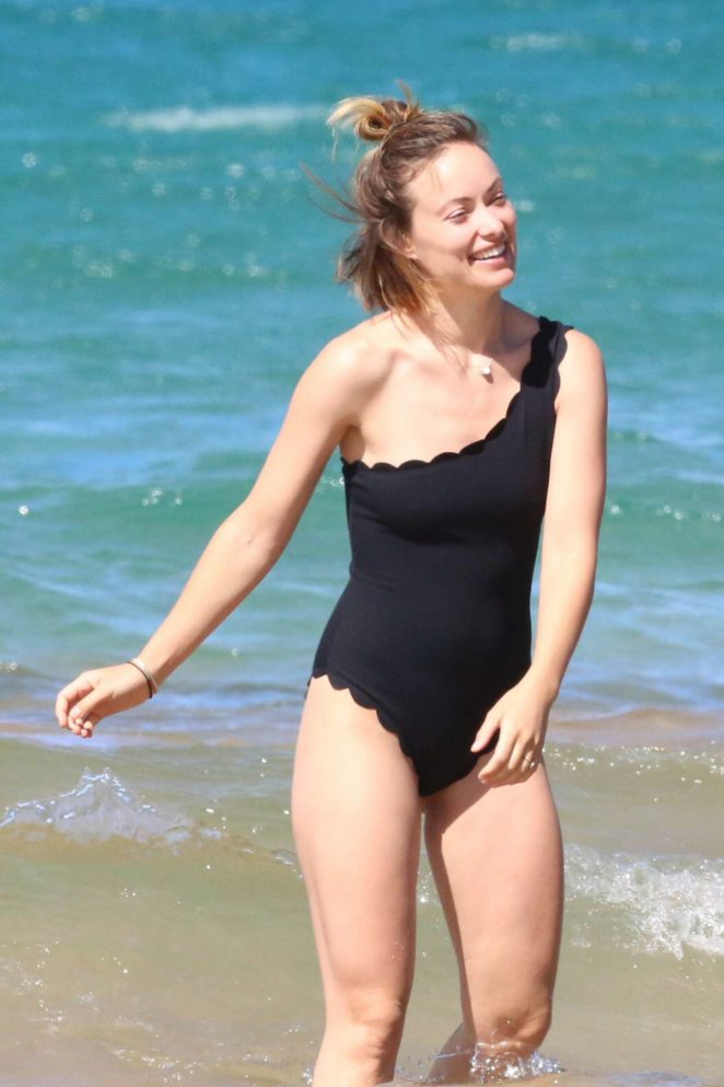 Olivia Wildein Black Swimsuit at a beach in Hawaii