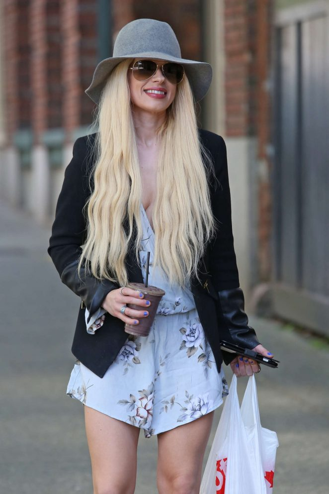 Orianthi - Arrives at Warehouse Studio in Vancouver