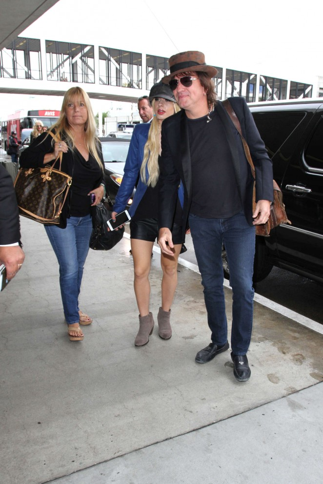 Orianthi at LAX Airport in Los Angeles -02