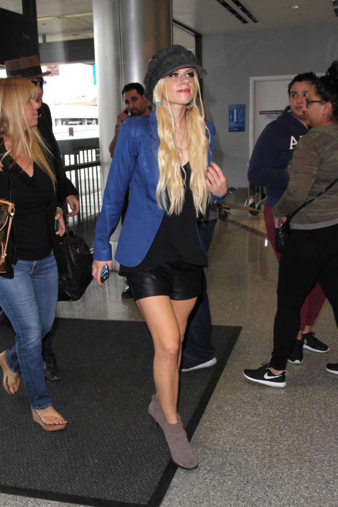 Orianthi at LAX Airport in Los Angeles -06