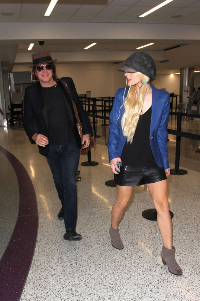 Orianthi at LAX Airport in Los Angeles -08