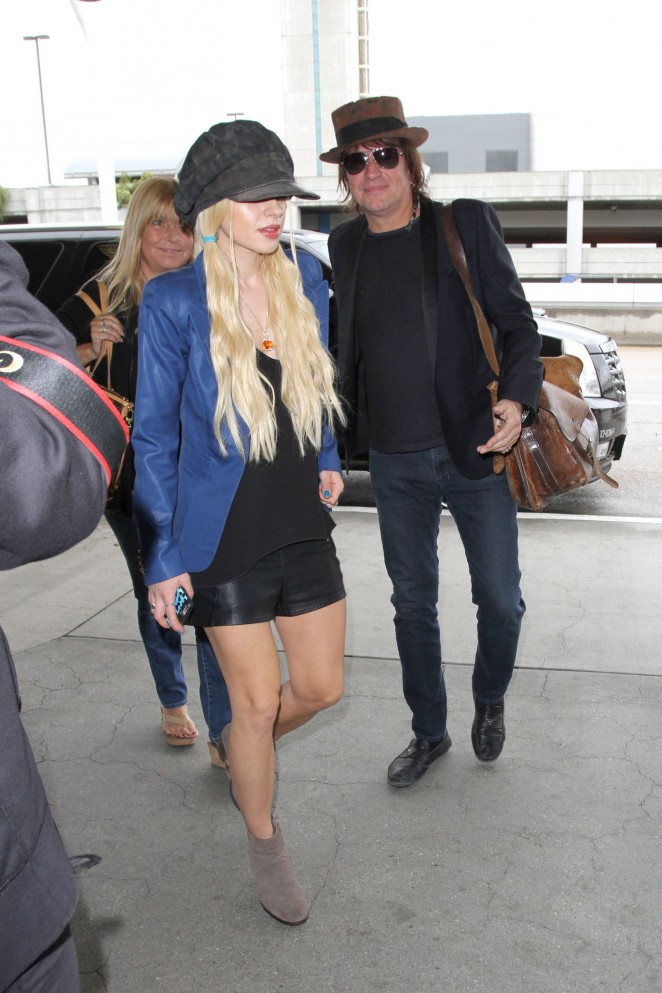 Orianthi at LAX Airport in Los Angeles -12