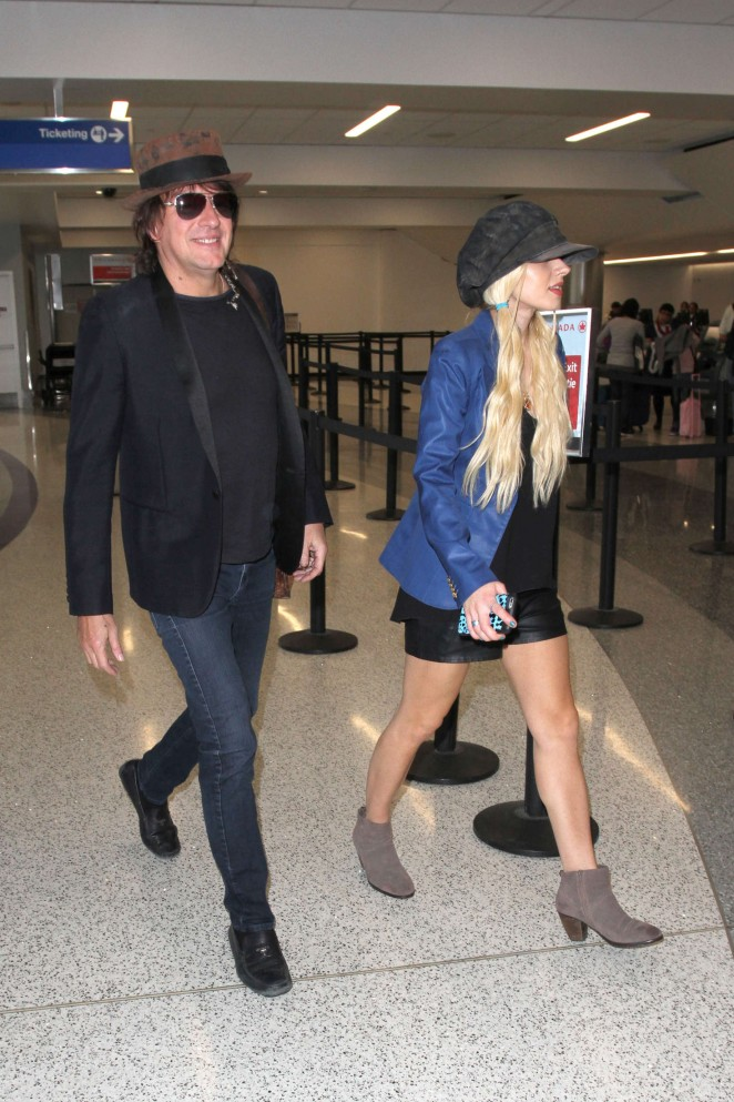 Orianthi at LAX Airport in Los Angeles -13