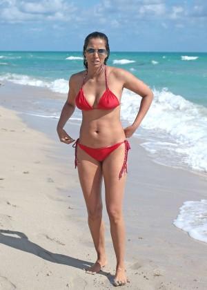 Padma Lakshmi 86 Hot Bikini Pics -21