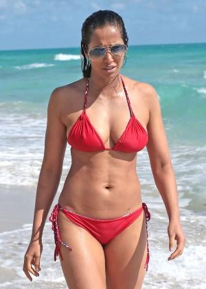 Padma Lakshmi 86 Hot Bikini Pics -55