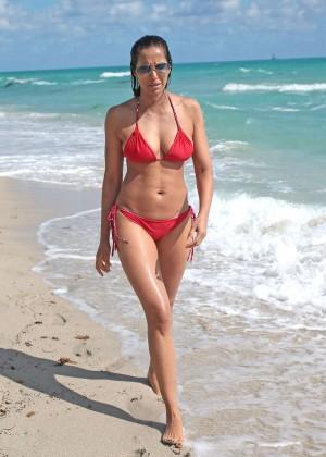 Padma Lakshmi 86 Hot Bikini Pics -61