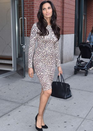 Padma Lakshmi In Tight Dress Leaving Her Apartment  08   Full Size