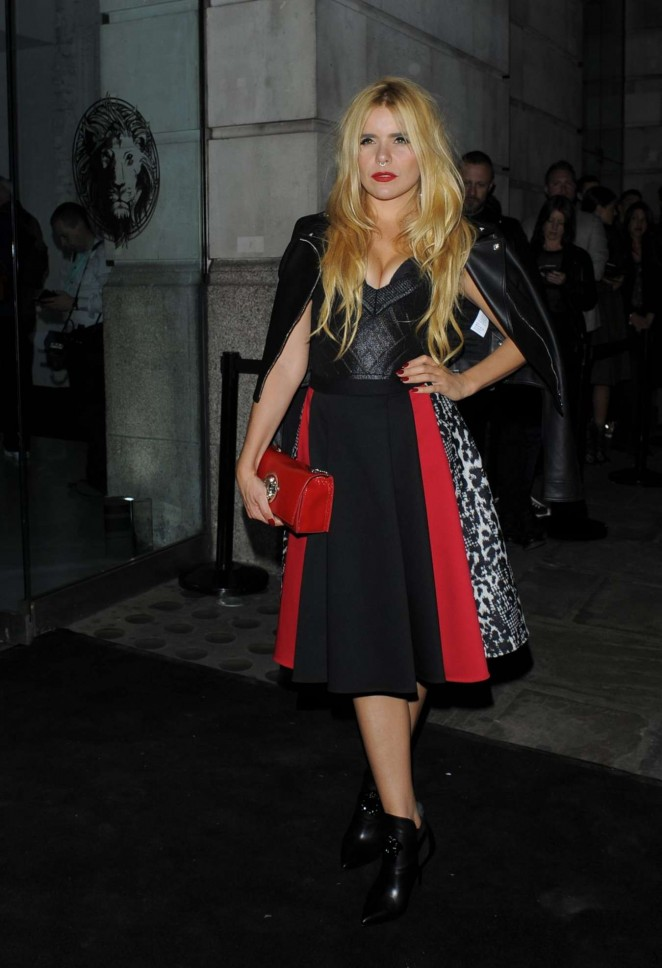 Paloma Faith - Versus By Versace Fashion Show in London