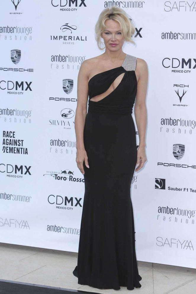 pamela anderson 2017 vogue - photo #33