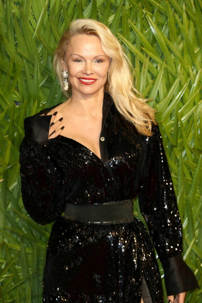 Pamela Anderson - 2017 Fashion Awards in London