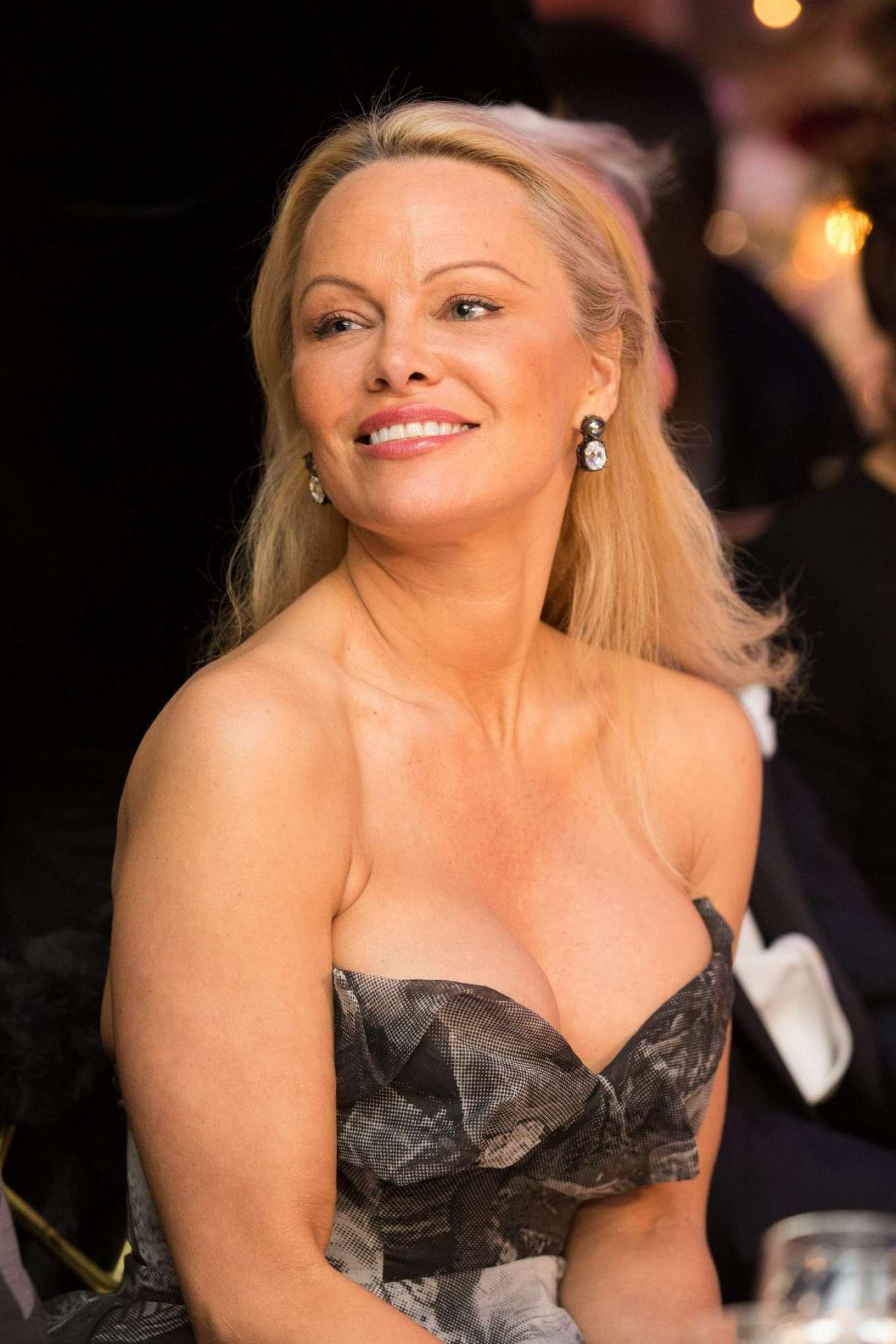 Pamela Anderson - 40th Best Award Gala in Paris памела андерсон