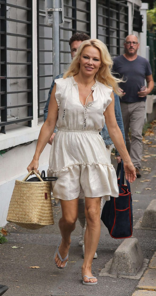 Pamela Anderson - Arriving at Strictly Come Dancing in Paris