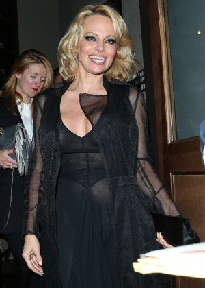 Pamela Anderson at Crossroads Restaurant in Los Angeles