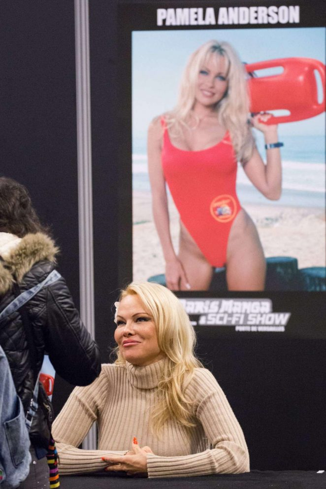 Pamela Anderson - Attends the 2018 Paris Manga Sci-Fi Show in Paris